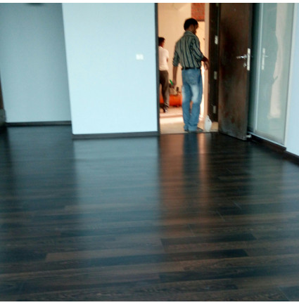 Hardwood Floor Cleaning And Polishing Service